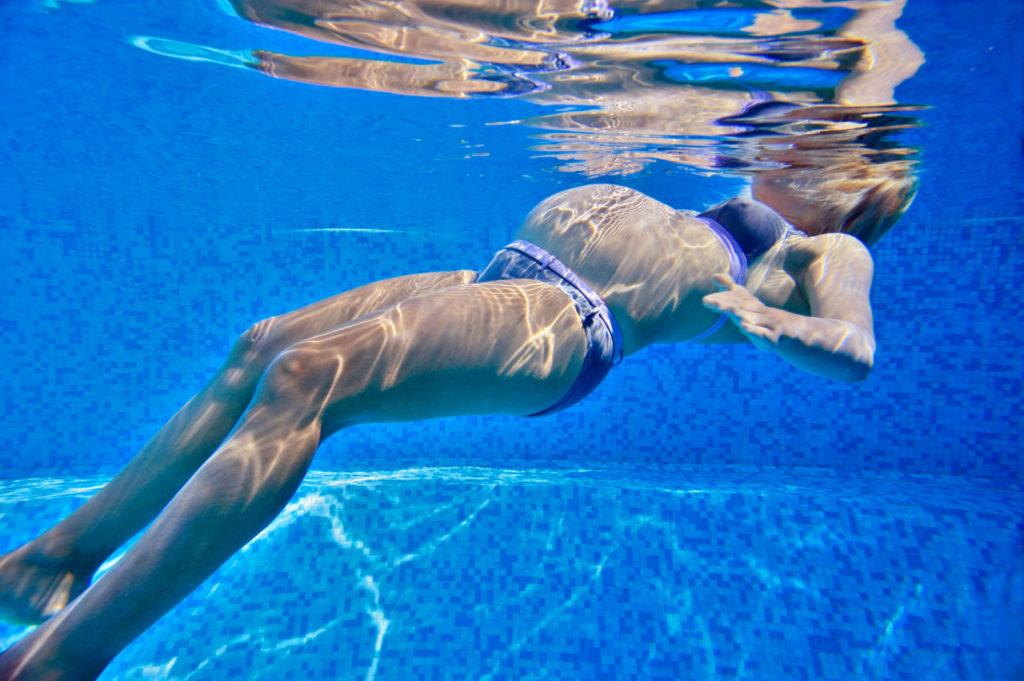 Gymnastique aquatique maman femme enceinte